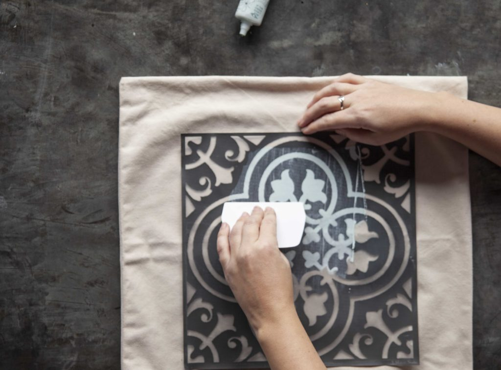Do you want a beautiful throw pillow, but want to make it yourself? A Makers' Studio offers a great DIY stenciled trompe l'oeil pillow kit. Using monochromatic Gel Art Ink, you'll have a uniquely patterned pillow made with love.
